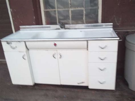 Youngstown Kitchen Sink Cabinet Craigslist by Youngstown Kitchen Cabinets Lakecountrykeys