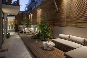 Holz Im Garten : sichtschutz aus holz im garten moderner stadtwohnung ~ Frokenaadalensverden.com Haus und Dekorationen