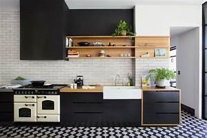 Cuisine Blanc Et Noir : cuisine noire et bois un espace moderne et intrigant ~ Voncanada.com Idées de Décoration