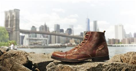 Fall Is Here! Boot Up With The Brown Bullboxer Delden. The