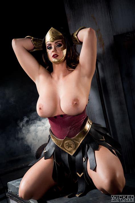 Woman In Superhero Costume Needs Wild Sex photos (Alison Tyler) / MILF Fox