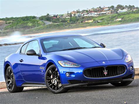 Maserati Car : Maserati Granturismo Blue