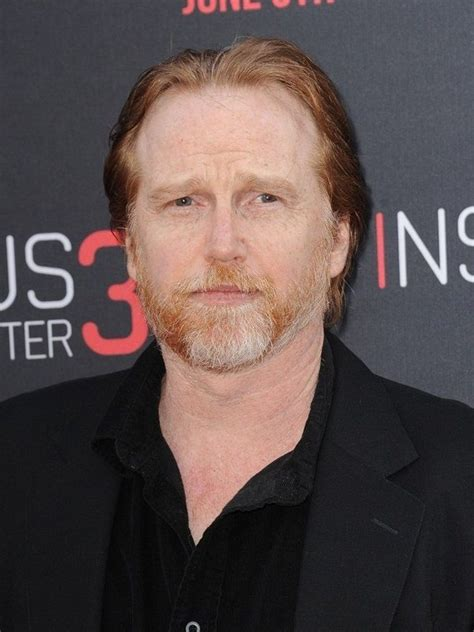 compare courtney gains height weight eyes hair color