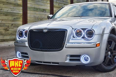 Halo Lights For Chrysler 300 by 2005 Chrysler 300 White Halo Rings Smoked Headlights