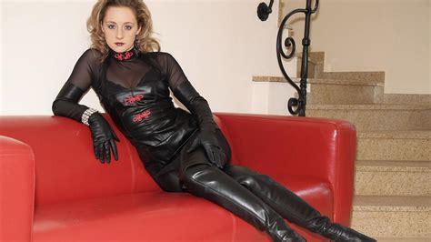 download photo 1600x900 lady ann blonde german mistress milf long hair sexy babe amateur