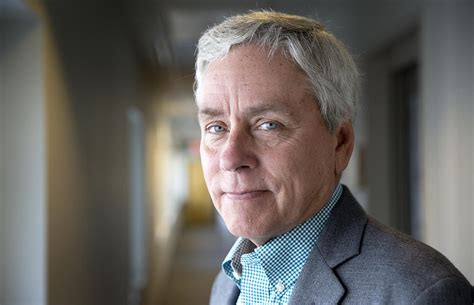 Florida Continues To Inspire Carl Hiaasen In New Novel ...
