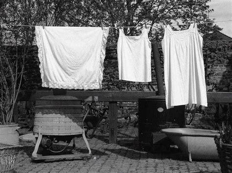 Schmutzige Wäsche Waschen by Schmutzige W 228 Sche Waschen Foto Bild Stillleben