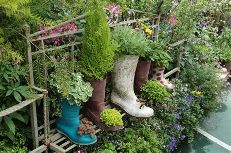31 Shoe And Boot Planter Ideas (photos