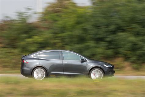 2021 tesla suvs und cars: Großer Test: Tesla Model X P90D - ALLES AUTO