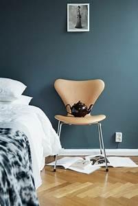 Grau Blau Wandfarbe : die wundersch ne und effektvolle wandfarbe petrol ~ Frokenaadalensverden.com Haus und Dekorationen