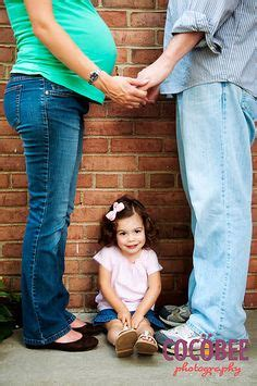family maternity picture ideas standing poses