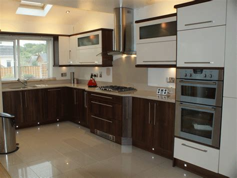 cl ivory walnut high gloss bydesign kitchens