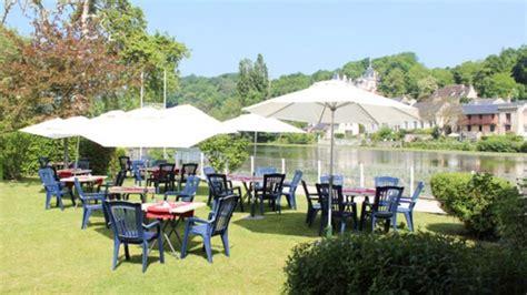 chalet du lac daumesnil restaurant le chalet 224 pierrefonds 60350 avis menu et prix