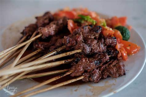 Sate maranggi adalah salah satu menu favorit keluarga yang biasa dicari ketika mengunjungi pulau jawa barat. Mudik ke Semarang, Waktunya Wisata Kuliner! - ALMAZIA.co