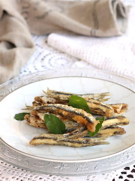 come cucinare le acciughe fresche ricetta alici fritte facili come friggere le acciughe