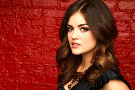 lucy hale wallpaper hd   Lucy hale hair, Hair color ...
