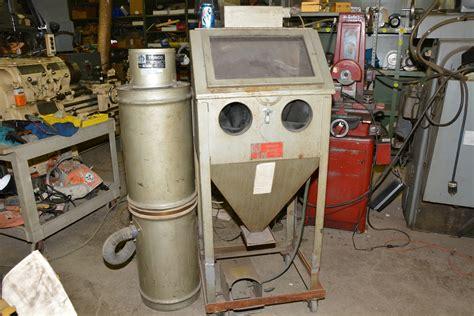 blast cabinet dust collector shop vac trinco blast 24 bp2 18 quot x14 quot sand blasting cabinet w