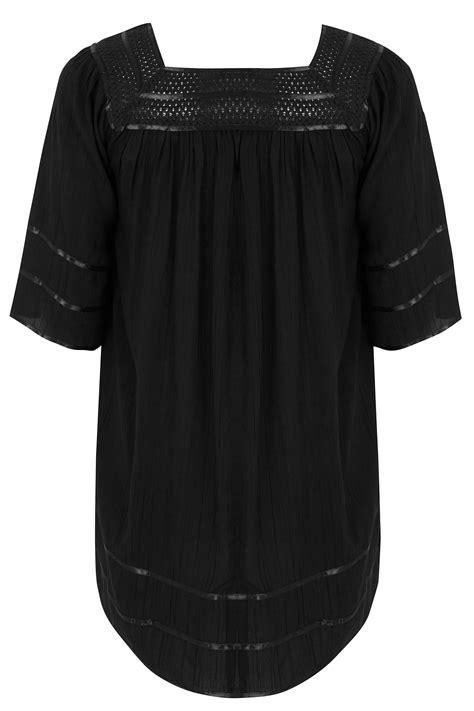 Blouse Noire Avec Col en Crochet, taille 44 à 64