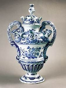 A Delft Vase Acquired By The Dutch Ceramics Museum