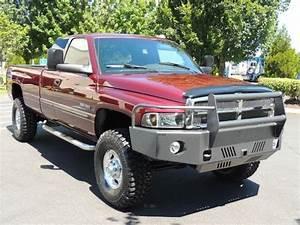 2001 Dodge Ram 2500 4x4    5 9 Cummins Diesel    6 Speed