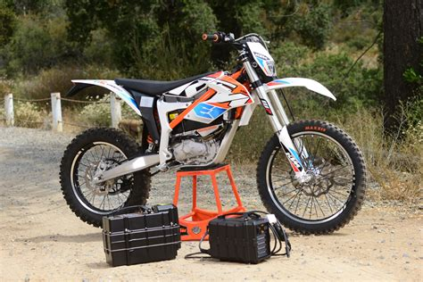 ktm electric motocross bike friday wrap up riding yamaha s new 450 and ktm s electric