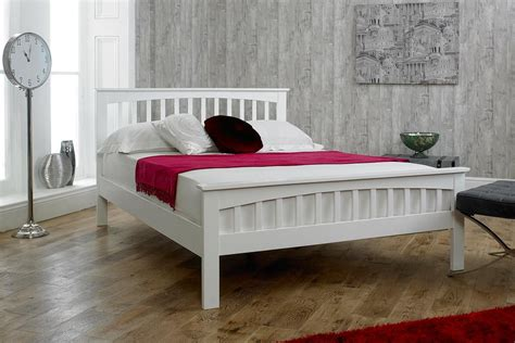 Size Wood Bed Frame by Advantages Of A King Size White Bed Frame In The Bedroom