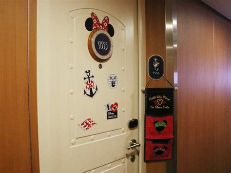 disney cruise  decorating  stateroom door