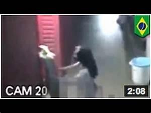 Couple En Train De Faire L Amour : br sil 2014 un homme se fait filmer en train de faire l 39 amour un mannequin en plastique youtube ~ Maxctalentgroup.com Avis de Voitures