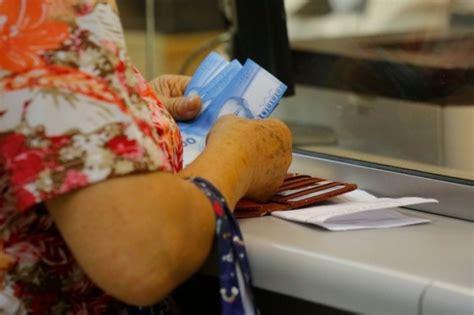 Una vez terminado el pago del ife 2, se empezará con el nuevo bono, que se espera ya sea mucho más ágil y el ife significa que millones de argentinos no caigan en la pobreza, es una herramienta. Se adelanta pago del IFE de abril y monto adicional del Bono Clase Media