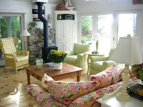 Best Tips For Decorating Cottage Country Interiors
