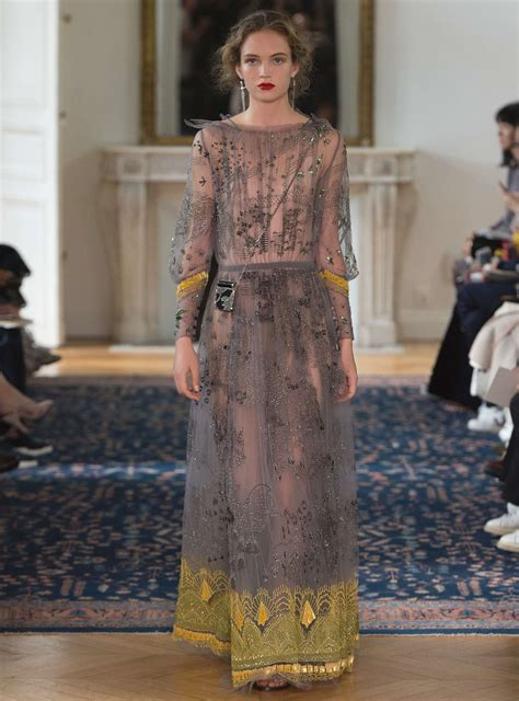 VALENTINO SPRING SUMMER 2017 WOMEN'S COLLECTION | The ...