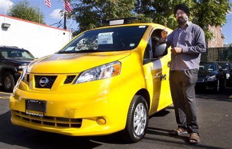 nissan airport taxi