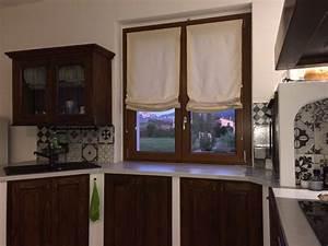 Arredamento da camera letto ispirazioni for Tende a finestra per cucina