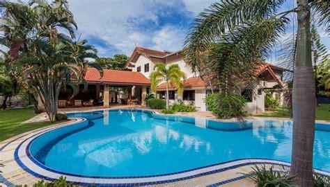 chambre thailandaise villa de luxe à louer avec piscine lac privée à louer à