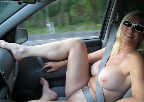 Nude Mature Girlfriends In The Car Photos Picture 7