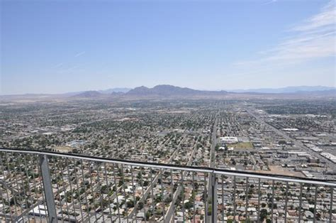 aussicht vom observation deck des stratosphere tower picture of stratosphere hotel casino and