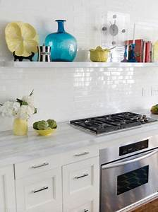 5 easy kitchen decorating ideas freshomecom With kitchen colors with white cabinets with 3 peice wall art