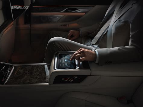 New Control Concepts From Bmw Showcased In New 7 Series