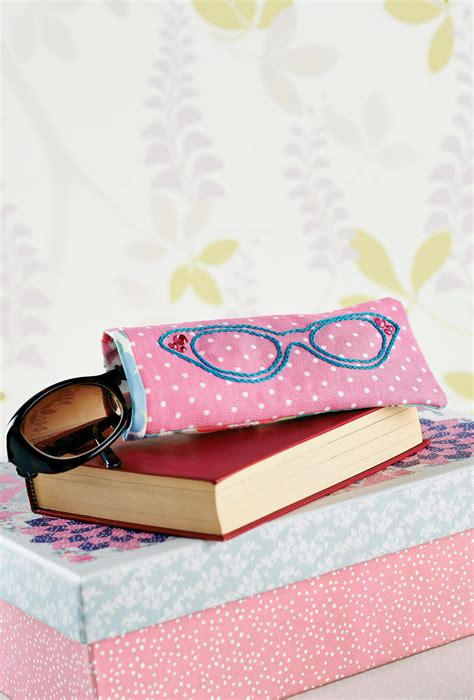 lunchtime  embroidered glasses case  sewing