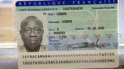 bureau de nationalité française français pendant 40 ans mais aujourd 39 hui sans papier