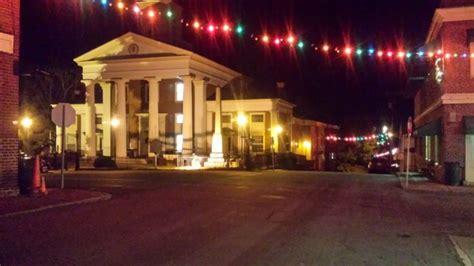 enchanting christmas towns  virginia