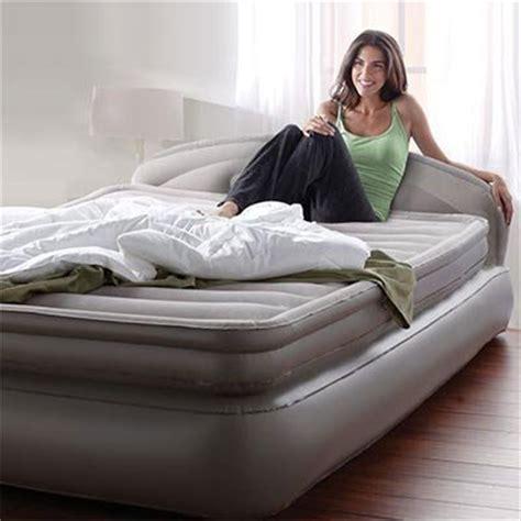 aerobed air mattress with headboard aerobed comfort anywhere 18 quot air mattress with headboard