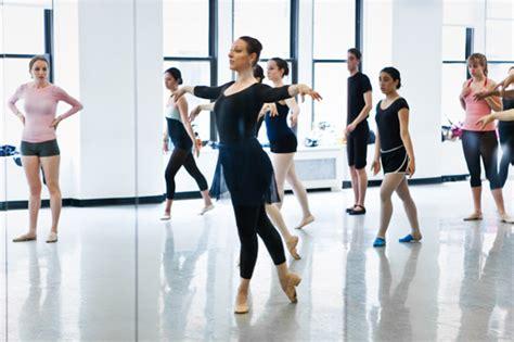 tenue modern jazz fille bien se pr 233 parer pour votre premier cours de danse classique ballet