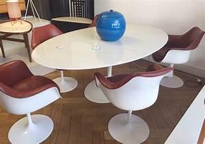 Table Ovale Design : saarinen table tulipe ovale marbre knoll lausanne suisse ~ Teatrodelosmanantiales.com Idées de Décoration