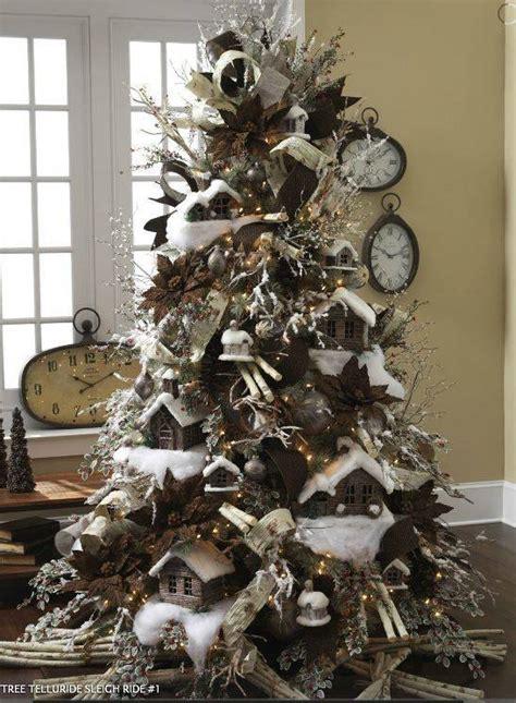 pinos de navidad  como organizar la casa fachadas