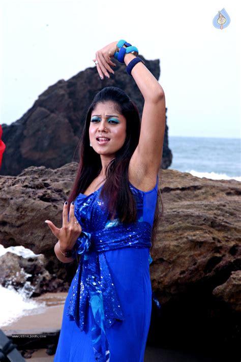 Nayanthara Hot Armpits Pic Holidays Oo