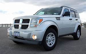 Dodge Nitro Car Wallpapers - A Compact SUV From The Dodge