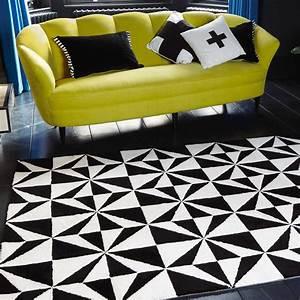 tapis design bicolore noir et blanc a motifs geometriques With tapis design noir et blanc