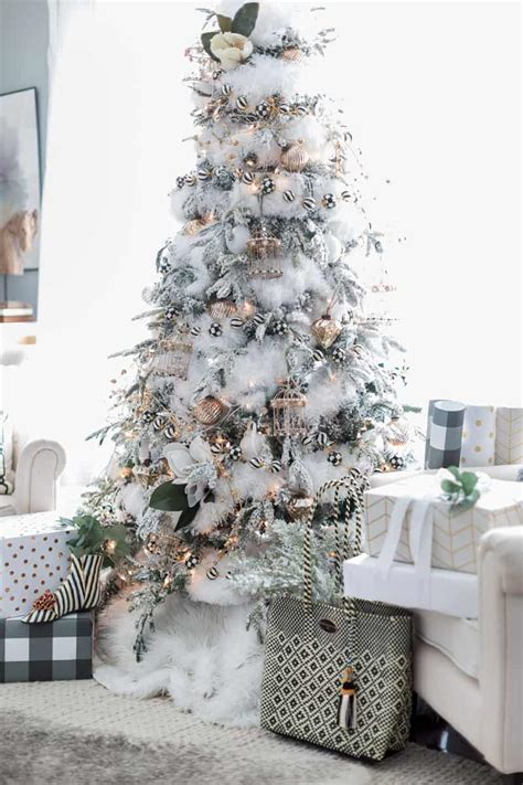 beautiful ideas  deck   frosted christmas tree