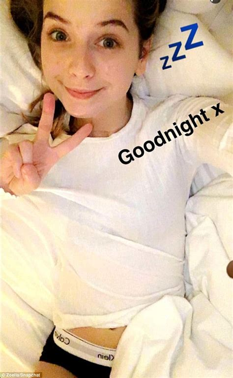 Zoella Is Crowned The World S Sexiest Beauty Star By Victoria S Secret Daily Mail Online